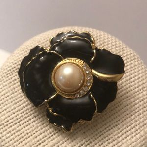 Vintage black lacquer w/ faux pearl rose brooch